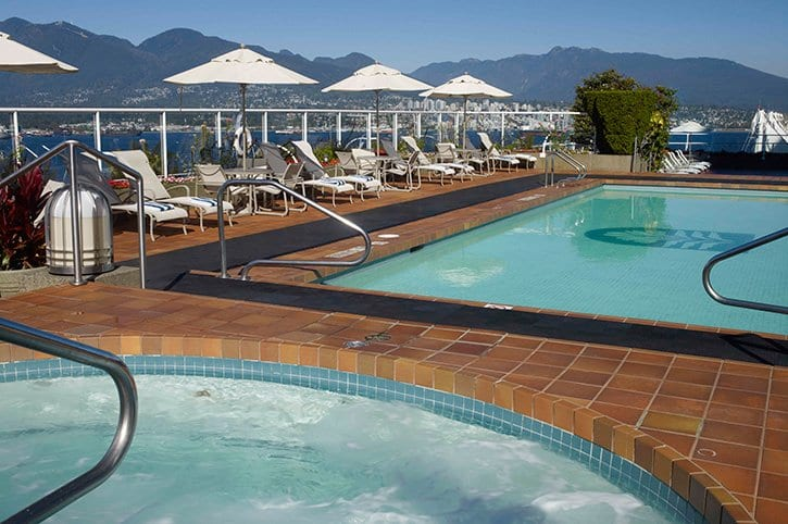 Pan-Pacific-Vancouver-Outdoor-Pool